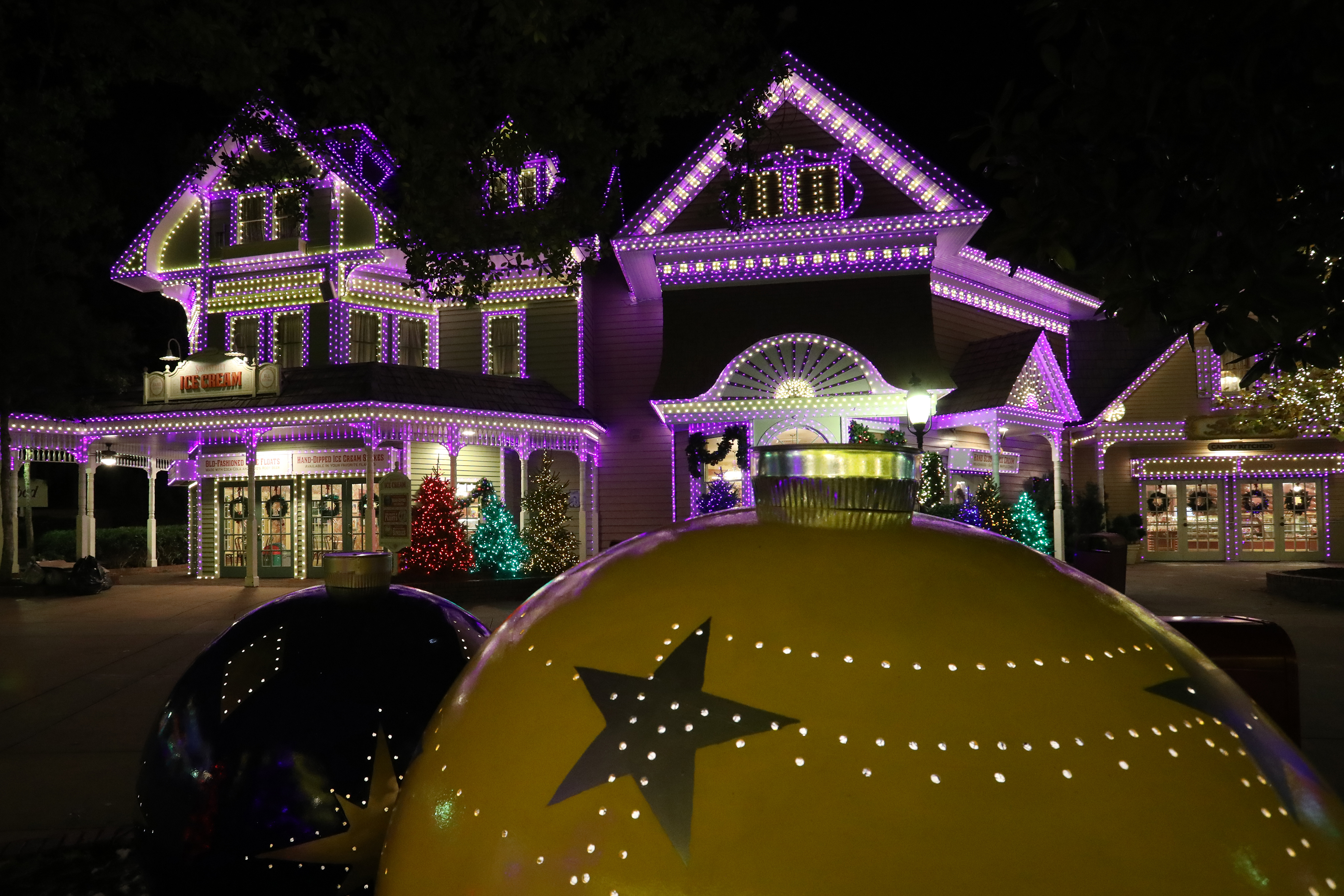 Dollywood Christmas Lights 2021 More Details About Dollywood S Smoky Mountain Christmas Dollywood Blog