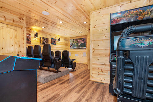 cabin with arcade